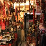 【台北観光】龍山寺周辺は怪しげな香り漂う、台湾庶民の姿が見られる街だった